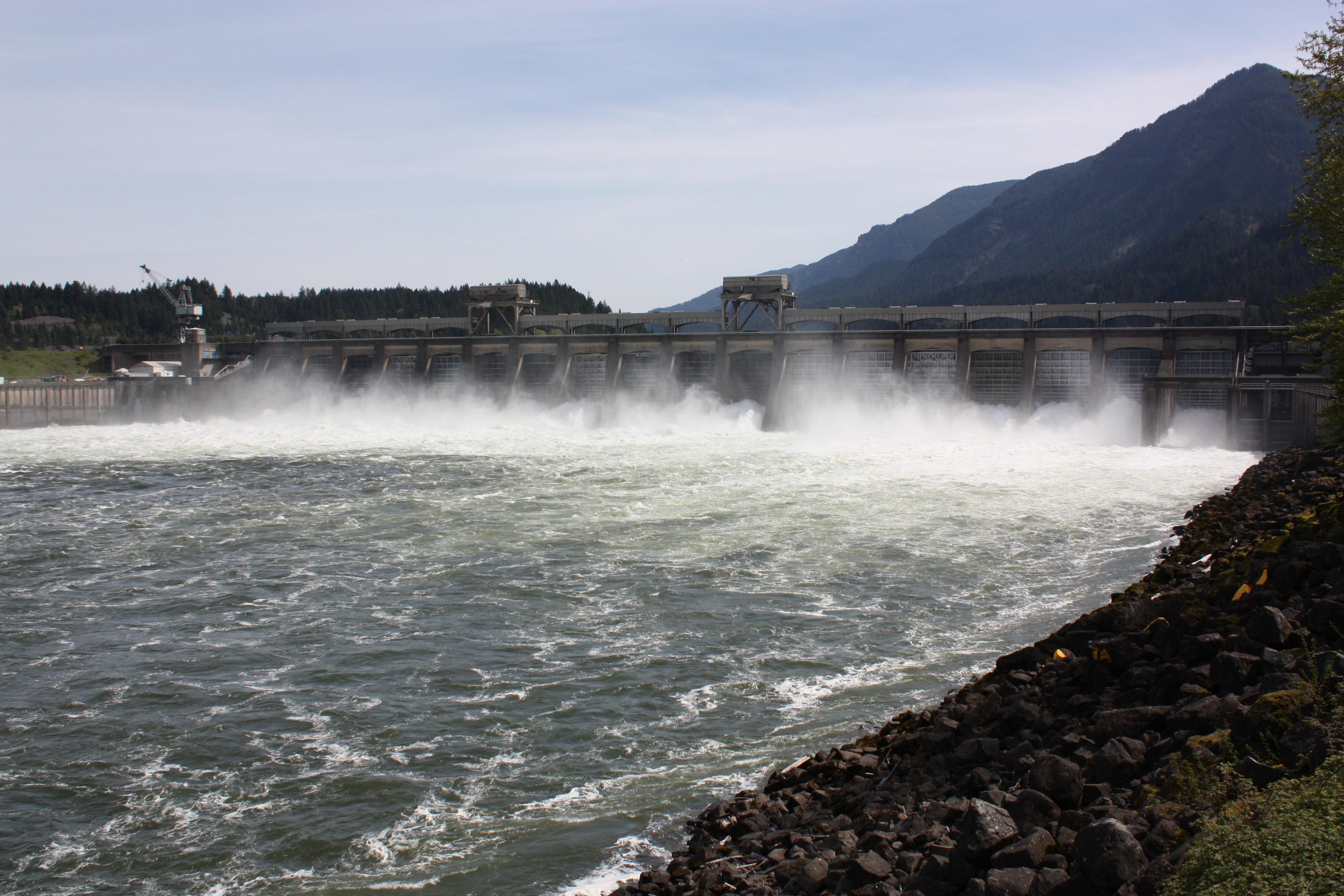 Bonneville_Dam_2359